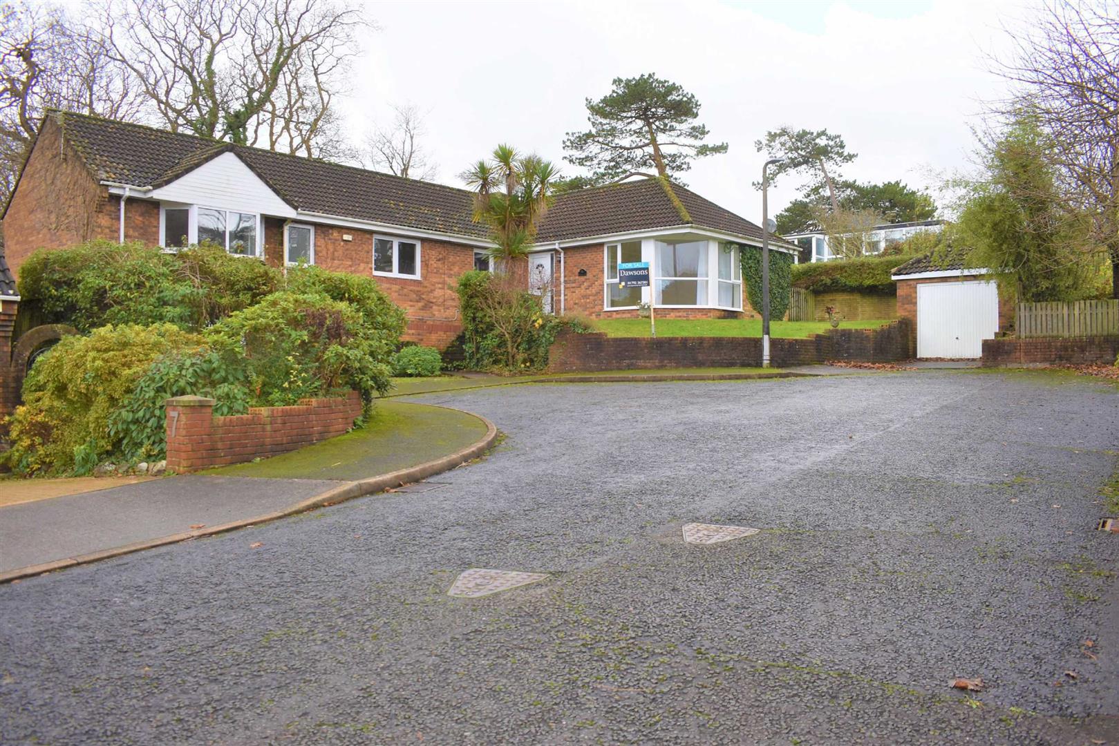 Whitegates, Mayals, Swansea, SA3 5HW